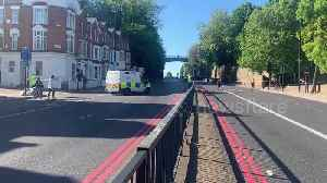 Suspected suicide in Islington, London as man dies after falling from Archway Bridge [Video]