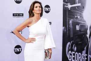 Cindy Crawford likes to 'take care' of her 'body and mind' [Video]