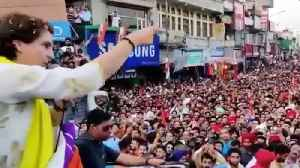 Huge crowd at Priyanka's Pathankot rally, people chants 'Chowkidar Chor Hai' | Oneindia News [Video]