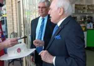 John Howard Delights Labor Volunteer by Signing His Cricket Hat [Video]