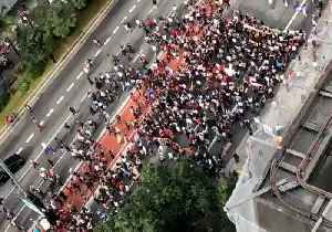 Students Swarm Sao Paulo Streets to Protest Education Cuts [Video]