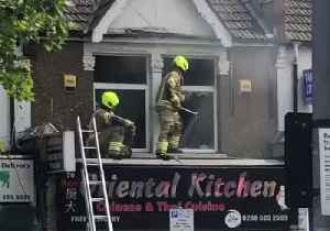 Firefighters Tackle Blaze at Takeaway Restaurant in North London [Video]