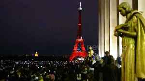 Eiffel Tower's 130th Anniversary sees thousands of Parisiennes and tourist gather to watch dazzling light show [Video]