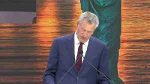News video: Bill de Blasio knocks Trump again during Statue of Liberty speech