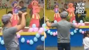 Cool dad dances along with nervous daughter [Video]