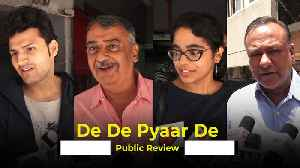 De De Pyaar De | Public Review [Video]