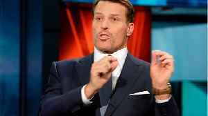 Tony Robbins accused of making sexual advances, scolding abuse victims at seminars [Video]