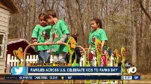 Families across U.S. celebrate kids to parks day. [Video]
