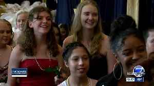 Children's Hospital teens get to celebrate prom [Video]