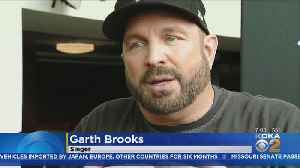 Garth Brooks Visits Tree Of Life Synagogue Shooting Victims Ahead Of Sold Out Concert [Video]