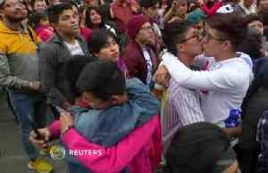 LGBTI Mexicans fight homophobia with kiss-off [Video]