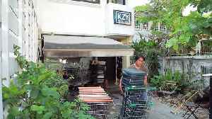 Designer converts old shopping trolleys into wheelchairs for poverty-stricken pensioners [Video]