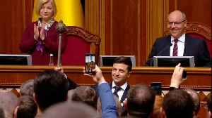 TV comedian Zelensky sworn in as President of Ukraine [Video]