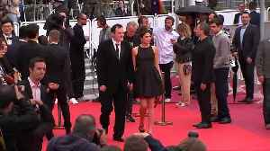Tarantino puts in early red carpet turn at Cannes Film Festival [Video]