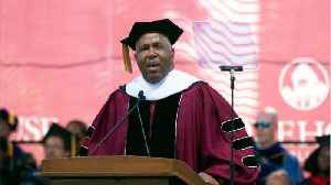 Billionaire Commencement Speaker To Pay Graduate's Debts [Video]