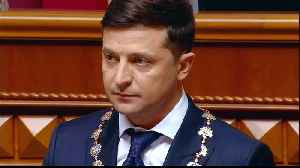 Volodymyr Zelensky sworn in as Ukraine's sixth president [Video]