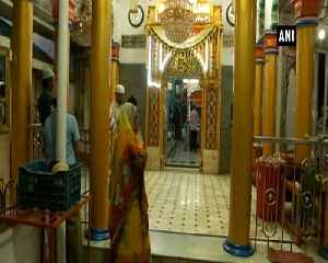 Hindus in Agra and Surat observe Roza in solidarity wih their Muslim brothers [Video]