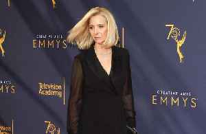 Lisa Kudrow opens up on body image issues [Video]