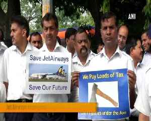Jet Airways employees stage protest outside Safdarjung Airport [Video]
