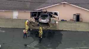 Car Crashes into Home in Southern California [Video]
