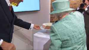 Queen Elizabeth Asks About Cheating Self-Service Checkout Machines At Sainsbury's Pop-Up Shop [Video]