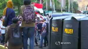 Six killed as Indonesia protests turn deadly [Video]