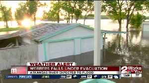 Town of Webbers Falls under evacuation, Arkansas River expected to rise even more [Video]
