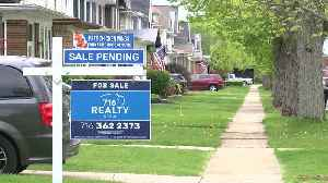Hot wings and a hot housing market [Video]