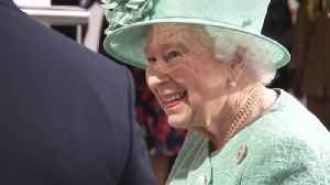 'You can't cheat?' asks Queen at check-out [Video]