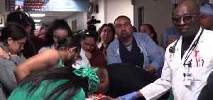 Hundreds line hallways at UMC for 18-year-old organ donor [Video]