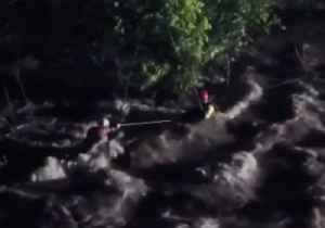 Oklahoma Firefighters Save Man Trapped in Floodwaters [Video]
