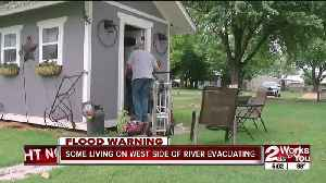 Tulsa police tell mobile home park residents to evacuate [Video]