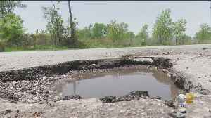 Potholes On Boy Scout Road At Hammond, Chicago Border Cause Thousands In Damage To Drivers Cars [Video]