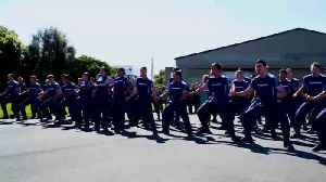New Zealand Air Force Members Perform Haka For US Indo-Pacific Airmen [Video]