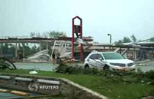 Three killed as tornadoes rip through Missouri [Video]
