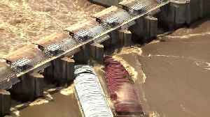 Two Barges Sink After Hitting Dam in Oklahoma [Video]