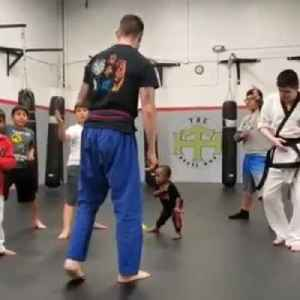 Toddler Takes Karate Class with Older Kids [Video]