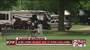 Residents at mobile home park evacuate [Video]