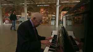 Piano player Denis, 91, spreads joy at London St Pancras station [Video]