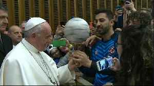 Vatican hall becomes impromptu stadium as Pope talks soccer to children [Video]