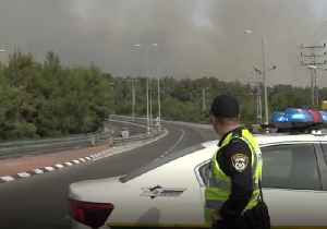 Thousands Evacuated as Wildfires Rage in Central Israel [Video]