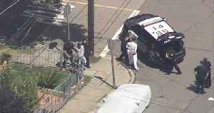 RAW: Chopper 5 Footage Of Oakland Police Detaining Two Suspects After Pursuit [Video]