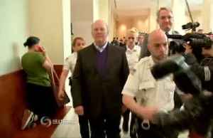 Chef Mario Batali leaves court after not guilty plea [Video]