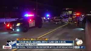 3 hurt after tour bus crashes into car on I-805 in Sorrento Valley area [Video]