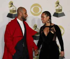 Alicia Keys' 'beautiful' blended family [Video]