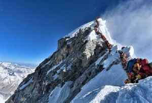 Mount Everest Overcrowding Causes Lethal Conditions [Video]