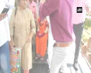 Pragya Thakur arrives in Delhi to elect Modi as PM [Video]
