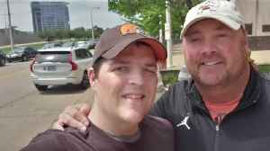 Freddie Kitchens makes surprise appearance, donation at fundraiser for Browns fan fighting cancer [Video]
