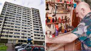 This Man Has Spent 30 Years Transforming His Flat Into A Palace Fit For A King [Video]