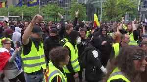 'Yellow vest' protesters scuffle with police in Brussels [Video]
